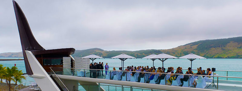 https://www.hamiltonislandweddings.com/wp-content/uploads/2015/01/07160619-bommie-deck-have-you-considered-centre-image-800.jpg