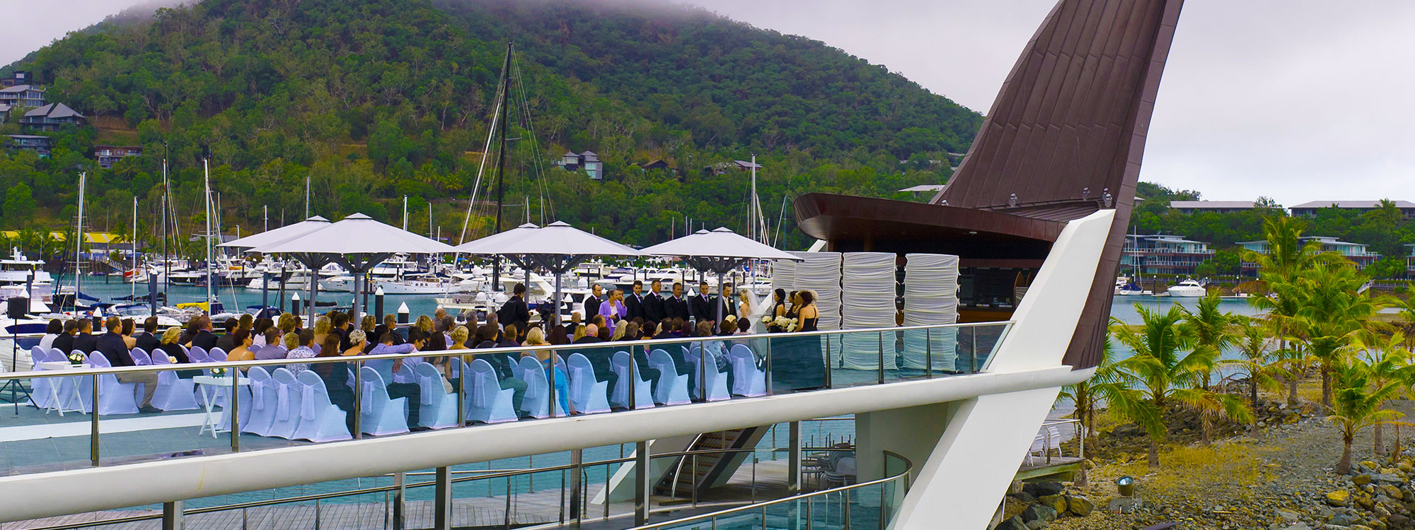 07160760-yacht-club-bommie-deck-ceremony-banner-2000