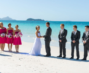 07262537-whitehaven-beach-ceremony-gallery-1000