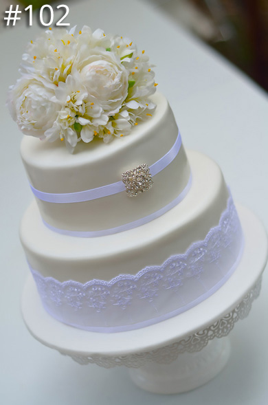 https://www.hamiltonislandweddings.com/wp-content/uploads/2015/01/102-crystalbrook-cake-page-390.jpg