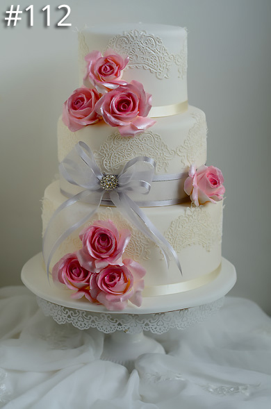 https://www.hamiltonislandweddings.com/wp-content/uploads/2015/01/112-crystalbrook-cake-page-3901.jpg