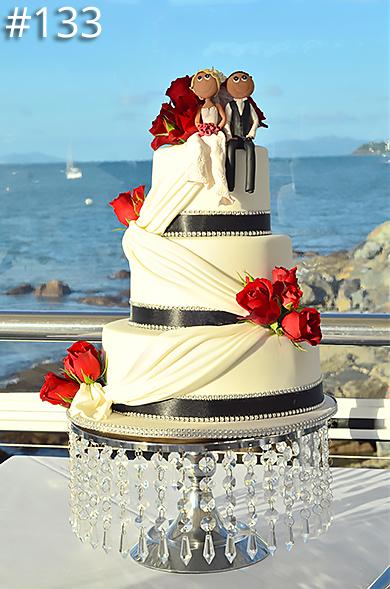 https://www.hamiltonislandweddings.com/wp-content/uploads/2015/01/133-crystalbrook-cake-page-390.jpg