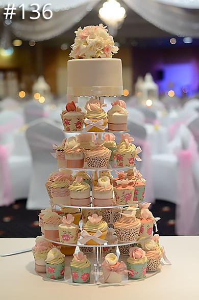 https://www.hamiltonislandweddings.com/wp-content/uploads/2015/01/136-crystalbrook-cake-page-390.jpg