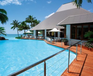 Sails-Restaurant-Dolphin-Pool