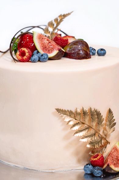 https://www.hamiltonislandweddings.com/wp-content/uploads/2018/05/1805090013-HR-Bakery-Wedding-Cakes.png