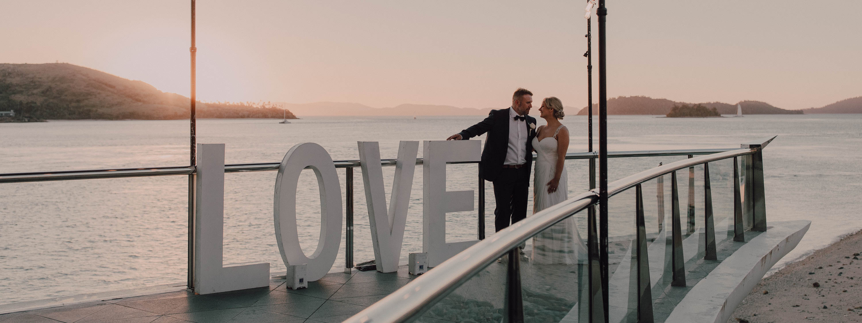 https://www.hamiltonislandweddings.com/wp-content/uploads/2018/08/0R9A2444-1.jpg