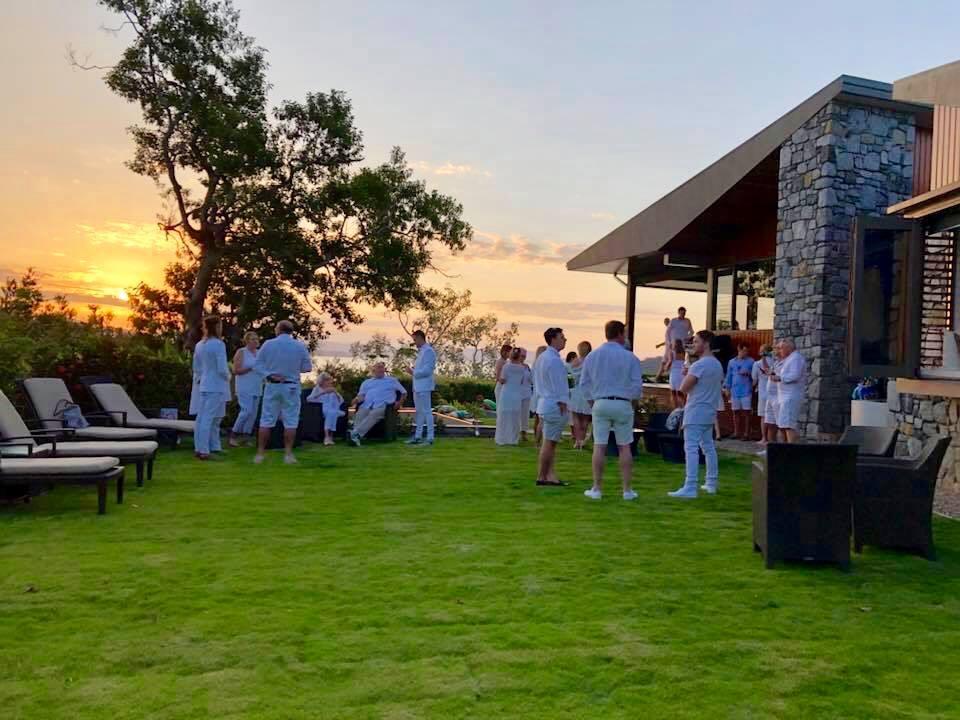 https://www.hamiltonislandweddings.com/wp-content/uploads/2019/02/Start-of-White-Party.jpg